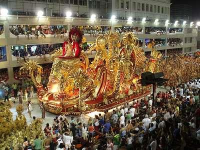 carnival in rio de janeiro pictures. Parading through Rio de